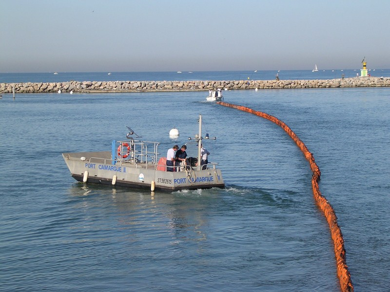 Gestion des pollutions port camargue - Capitainerie port camargue ...