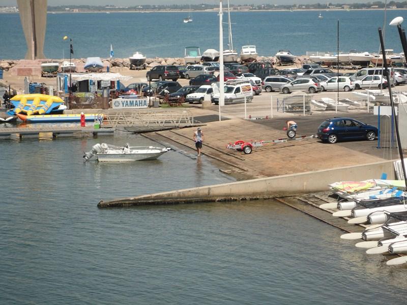 Services Parc à Bateaux Port Camargue - Location bateau port camargue